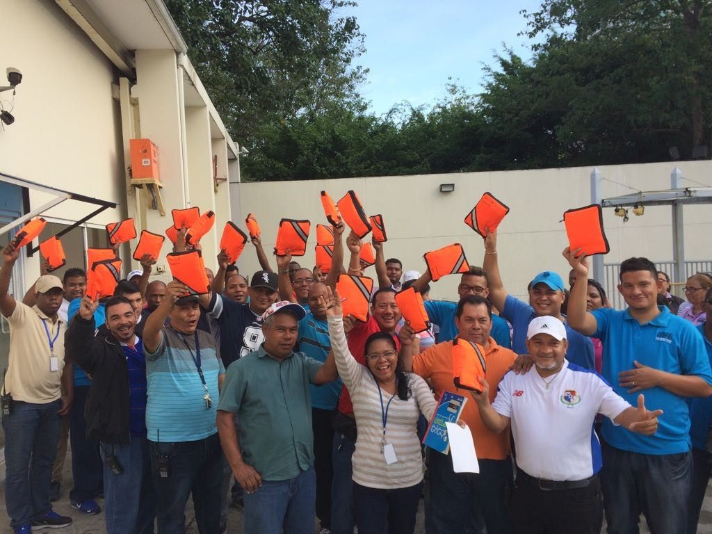 School Bus Drivers in Panama with their new First Aid Kits